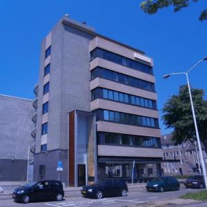 Flatgebouw aan de Zernikestraat